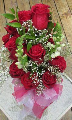❝ Que os dias sejam de ternura  e carinho... Sementes de sonhos e recomeços ...  Que sejam dias de felicidade pelo caminho ...  Flores de afetos e sorrisos... Que sejam dias  de colher amor... Delicadezas para um coração sonhador! ❞ (Ninah Lyanz)
