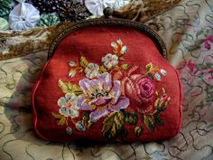 """New Cheap Bags. The location where building and construction meets style, beaded crochet is the act of using beads to decorate crocheted products. """"Crochet"""" is derived fro Beaded Purses, Beaded Bags, Vintage Purses, Vintage Handbags, Diy Clutch, Frame Purse, Bead Crochet, Purses And Handbags, Coin Purses"""