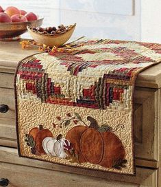 Patchwork Pumpkin Spice Table Runner Pattern How Choose The Right Type Of Lawn Mower Do you like to Table Runner And Placemats, Quilted Table Runners, Thanksgiving Table Runner, Fall Table Runner, Halloween Table Runners, Quilted Table Runner Patterns, Thanksgiving Games, Colchas Country, Country Quilts