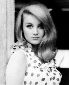 Barbara Bouchet was born in Reichenberg, Sudetenland, Germany. Classic Actresses, Beautiful Actresses, Barbara Carrera, Barbara Bouchet, Retro Updo, Retro Hair, Bond Girls, Vintage Hairstyles, 1960s Hairstyles