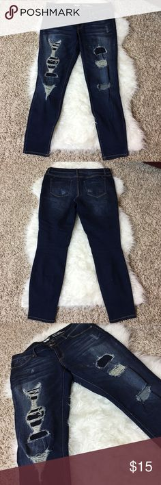 Mossimo Mid-Rise Jegging Mossimo Mid-Rise Jegging - Worn once or twice. In fantastic condition. These have some stretch to them. Very comfy. - Make me an offer. I ❤ OFFERS! Mossimo Supply Co Jeans Skinny