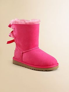 #xmas #gifts #ugg Pink Ugg Boots with bows