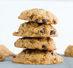 Mint Chocolate Chip Oatmeal Nut Cookies