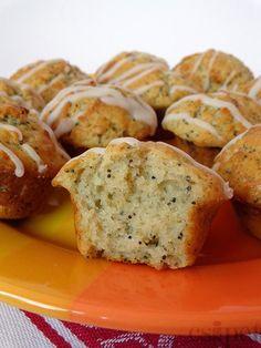 egycsipet: Citromos-mákos muffin Blueberry Scones, Vegan Blueberry, Muffins, Canned Blueberries, Vegan Scones, Caesar Pasta Salads, Gluten Free Flour Mix, Scones Ingredients, Salty Snacks