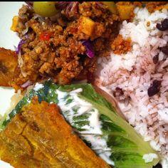 Jibarito de Pollo, Arroz Blanco con Frijoles Negros, Picadillo and a Platano Maduro @ Sabor a Cuba, Chicago Awesome Food, Good Food, Yummy Food, Cuba, Grains, Tacos, Chicago, Mexican, Rice