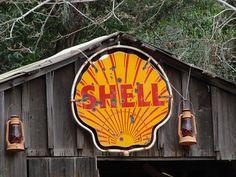 vintage Shell sign