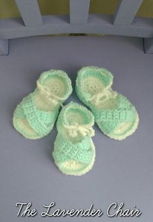 Criss-Cross Baby Sandals free crochet pattern - The Lavender Chair
