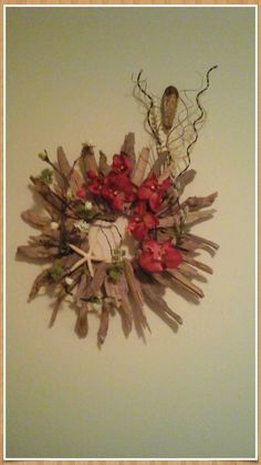 Wreath Tropical Driftwood Starburst by GiftsByWhatABeautifu
