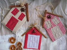 Little quilted houses with cinnamon stick roofs.