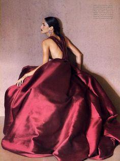 """""""Sculptured Couture"""", Vogue Italia, ñoz"""