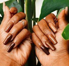 Nude Nail Polish For Dark Skin, Dark Nude Nails, Dark Skin Nail Color, Brown Acrylic Nails, Brown Nails, Best Acrylic Nails, Garra, Plain Nails, Light Nails
