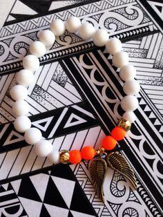 #FriendshipBracelets #BraceletsForFun #BraceletsLucky #BraceletsForAbundance #BraceletsOfLove #BraceletsForYou #AngelWings #Wings #Orange #White #Beads https://www.facebook.com/ensistore