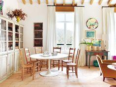 Une maison de campagne au design naturel - PLANETE DECO a homes world Unique House Plans, Dream House Plans, My Dream Home, Dream Homes, Mesa Tulip, Huge Houses, Design Your Own Home, Mediterranean House Plans, Simple Interior