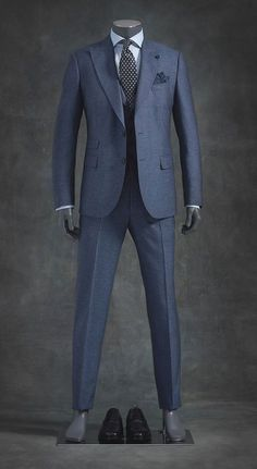 Today I am going to talk about the best blue suits for men. After researching, testing, and recommending the best blue suits for men that you can afford. Suits For Tall Men, Big Man Suits, Sharp Dressed Man, Well Dressed, Mens Fashion Suits, Mens Suits, Fashion Vest, Best Blue Suits, Suit Combinations