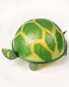 DIY Turtle Night Light- Can't even begin to say how excited my little girl, the turtle fanatic, will be about this.