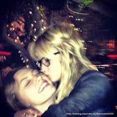 Ashley x Phoebe <3 kisss me!! :*