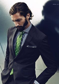 I JUST LIKE THE GREEN COLOR OF THE TIE.
