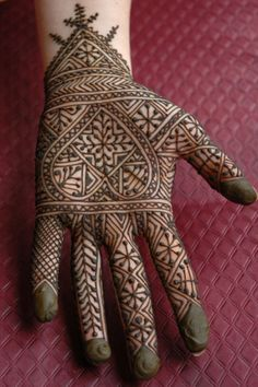 10 Stunning Mehndi Designs For Arms