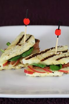 Breadless Grilled Cheese Sandwich - Halloumi. this is nutzo