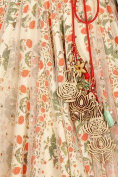 Anju Modi. I love these tassels!