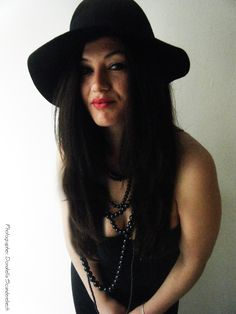 PHOTOGRAPHER and REWORKING : Donatella Scanderebech, MODEL: Naerta Zenuni