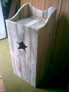 made by johnnie d d (Irish huckster reclaimed wood projects)