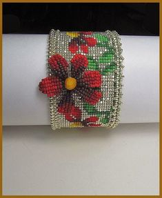 Beads Beading Beaded, with Erin Simonetti: Spring Time, on a Bead Loom! Can't wait till I'm this good Beaded Braclets, Bead Loom Bracelets, Beaded Bracelet Patterns, Bead Loom Patterns, Peyote Patterns, Beading Patterns, Seed Bead Jewelry, Beaded Jewelry, Seed Beads