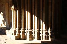 #Säulen mit #Schattenwurf  #Dom #Magdeburg