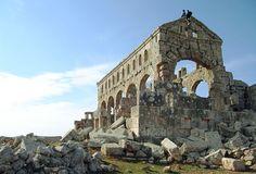 Ciudades muertas (Siria). La basílica de Karab Shams es una de las más antiguas y mejor conservadas. Se encuentra 21 kilómetros al noroeste de Alepo.