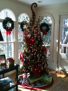 My sister Jayne Hammond's Grinch tree!  It is sooo adorable!