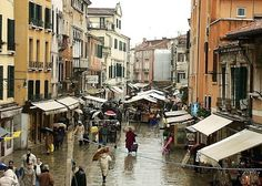 Places To See, Places Ive Been, Rialto Market, Italy Art, Images Google, Italy Fashion, Florence Italy, Venice Italy, Sicily