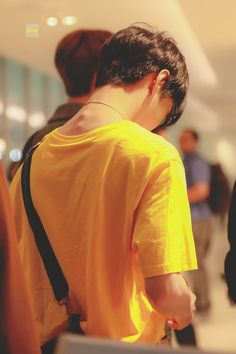 even his back is beautiful 😤 Winwin, Nct 127, Ten Chittaphon, Korea, Nct Life, Nct Doyoung, Lucas Nct, Sm Rookies, Kim Dong