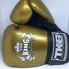 Top King TKBGEM-02 Air Black Gold Sporting Muay Tai Thai Boxing Gloves MMA Martial Art  https://nezzisport.com/collections/top-king/products/top-king-tkbgem-02-air-black-gold-sporting-muay-tai-thai-boxing-gloves-mma-martial-art?variant=7291959967797