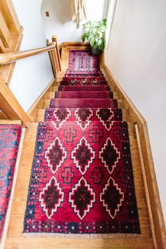 Basement Stairs: Mix & Matched Patterns: DIY Stair Runner Made with Vintage Rugs - Wit & Delight Bohemian House, Boho Home, Bohemian Rug, Staircase Runner, Stair Runners, Staircase Ideas, Staircase Makeover, Staircase Design, Wit And Delight
