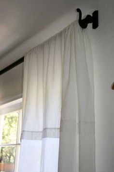 Smooth White Linen curtain - Polished Pebble fold