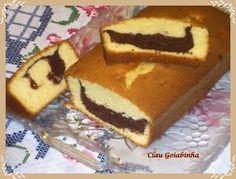 Bolo tipo PULLMAN (Érica) - Culinária-Receitas - Mauro Rebelo - 200 g de margarina 3 xícaras (chá) de açúcar 1 pitada de sal 5 ovos 1 colher (sobremesa) de emulsificante Coloque na batedeira e bata rapidamente, até misturar e acrescente: 3 xícaras (chá) de farinha de trigo 1/2 xícara (chá) de amido de milho 1/2 xícara (chá) de fubá 1 e 1/2 xícara (chá) de leite 1 colher rasa (sopa) de fermento em pó Bata por aproximadamente 5 minutos
