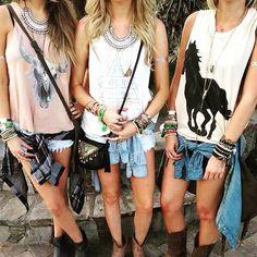 Em breve t-shirts pra vender aqui! ❤️️❤️️❤️️#naovejoahora #novidades #looks #inspiration #style_boho #tees #tshirts #boho #amoisso #loveit