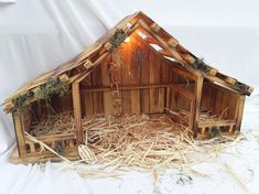 Woodtopia Country Crafts Large Nativity Stable for Willow Tree also Firgurines 7 to 11 in.price Nativity Stable only Christmas Crib Ideas, Christmas Manger, Christmas Nativity Scene, Rustic Christmas, Christmas Crafts, Christmas Decorations, Nativity Scenes, Christmas Bells, Christmas Printables