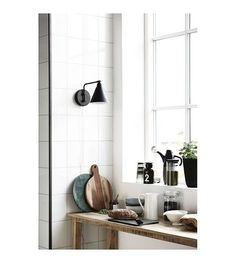 E108,- // Housedoctor Wandlamp Game metaal zwart/wit Ø20cm - wonenmetlef.nl
