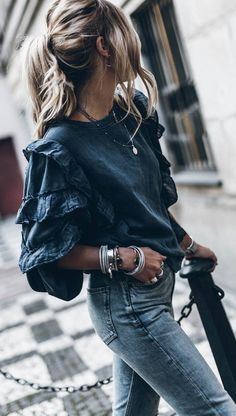 spring fashion trends / top skinny jeans