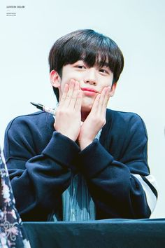 Iyaa itu pipi punya Yohan 😂 at KBS Media Center Fansign - Kim Yohan cr. as tagged Love U Forever, Lovely Smile, 3 In One, Beautiful Asian Girls, Kpop Groups, Idol, Actors, Guys, Media Center