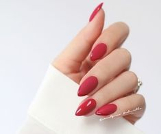 Have you discovered your nails lack of some popular nail art? Yes, recently, many girls personalize their nails with beautiful … Sns Nails Colors, Red Nails, Hair And Nails, Red Stiletto Nails, Gucci Nails, Thanksgiving Nails, Elegant Nails, Classy Nails, Homecoming Nails