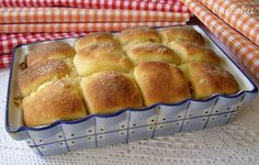 Tvarohové buchty - recept | Varecha.sk Bread, Food, Meal, Essen, Hoods, Breads, Meals, Sandwich Loaf, Eten
