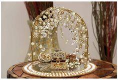 Ring Holder Wedding, Ring Pillow Wedding, Engagement Decorations, Wedding Decorations, Wedding Crafts, Diy Wedding, Wedding Engagement, Engagement Ring Platter, Engagement Ring Holders
