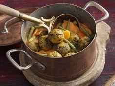 Linsenbratlinge mit geschmortem Gemüse ist ein Rezept mit frischen Zutaten aus der Kategorie Eintöpfe. Probieren Sie dieses und weitere Rezepte von EAT SMARTER!