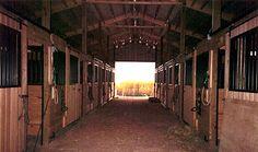 horse_stable.jpg (400×236)