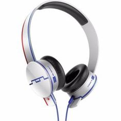 The Sol Republic Tracks HD Anthem headphones offer great sound, incredible style and are completely interchangeable. Best In Ear Headphones, Headphone With Mic, Audio Headphones, Mp4 Player, Blue Accents, Red White Blue, Headset, Accessories
