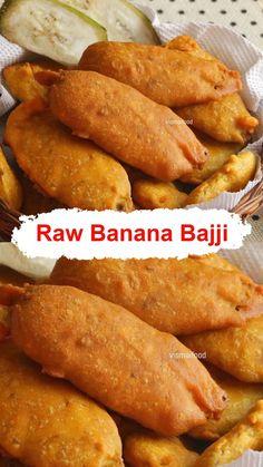 Pakora Recipes, Chaat Recipe, Curry Recipes, Momos Recipe, Banana Recipes Indian, Indian Food Recipes, Raw Banana, Banana Chips, Maggi Recipes