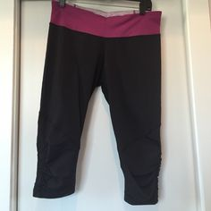 Lululemon Running Crops Like new running crops with link band. Pretty ruffle detail around the calf. lululemon athletica Pants
