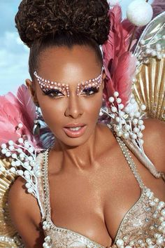 Samba performance eye makeup look